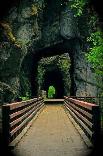 Othello Tunnels, Hope, BC