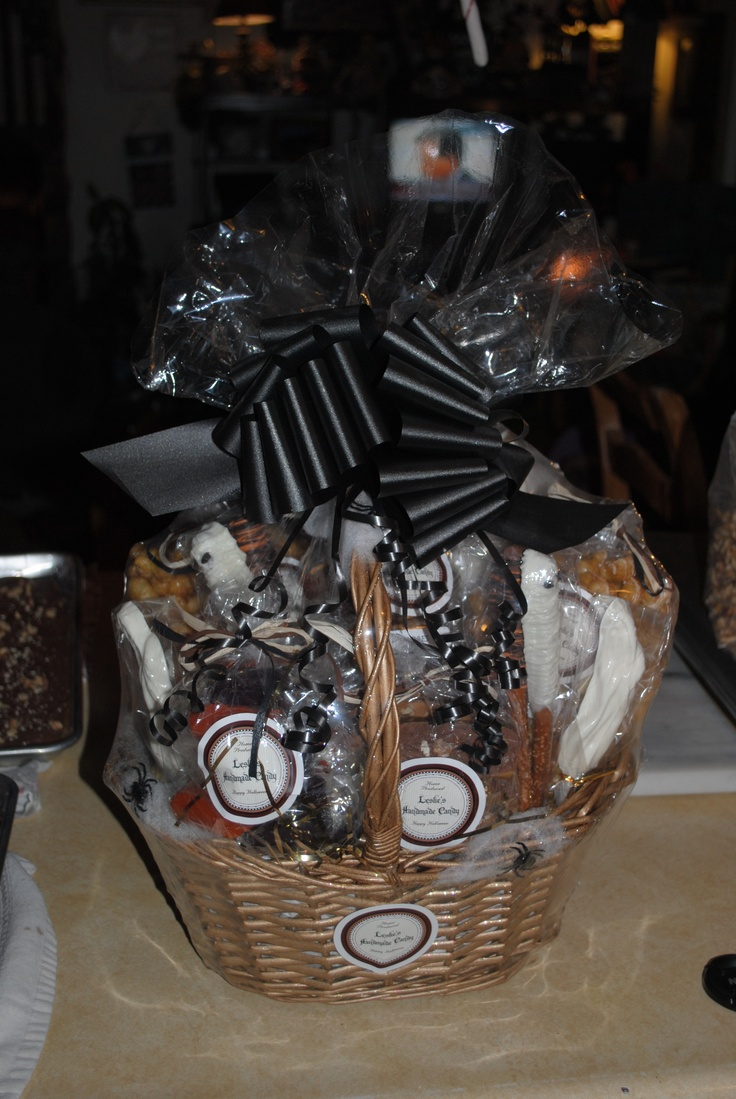 Halloween Gift Basket, by Leslie's Handmade Candy ...