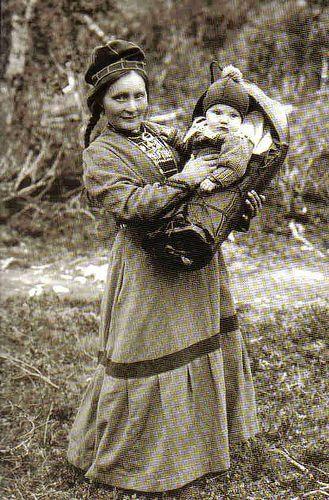 Sami woman by AnnaRu, via Flickr Finland