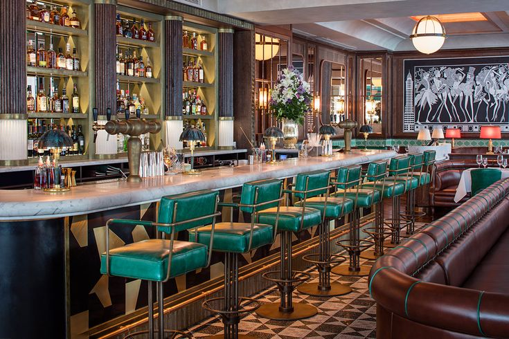 Smith & Wollensky London - American fine dining steakhouse opened in Adelphi Building, located off of The Strand near Covent Garden. #London #travel #restaurants #dining #traveltuesday