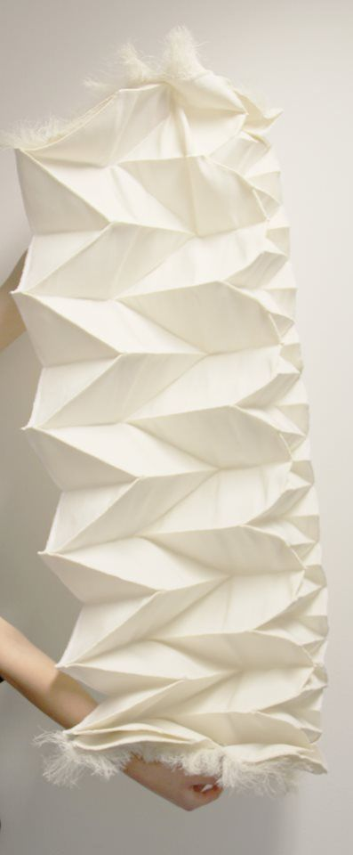 3D Pleated Textile Design with an architectural folded construction to create three-dimensional patterns from 2D fabric // Samira Boon