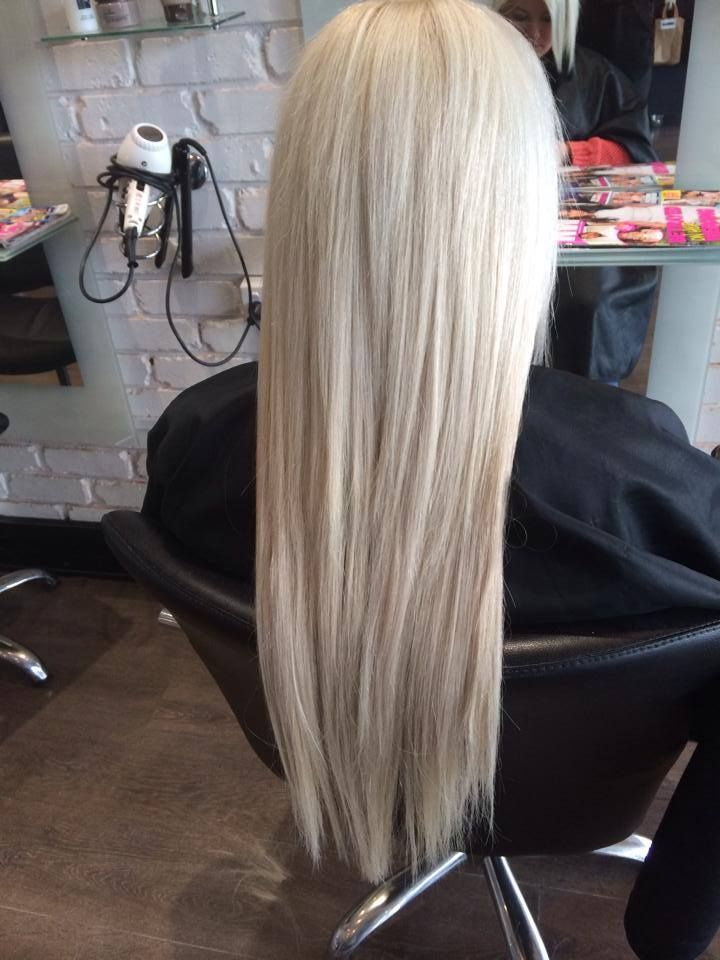 blonde bombshell! beautiful full set of extensions, another happy client!