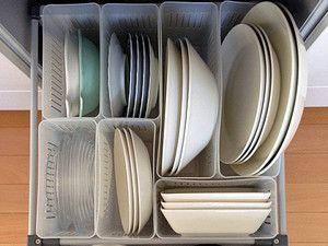 冷蔵庫用のケースで食器収納