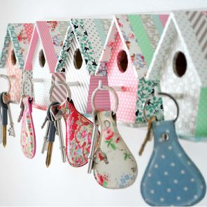 Bird house key hooks by Torie Jayne OMG ALL HER CRAFTS ARE THESE COLORS..LOVE HER WHOLE BLOG!!!