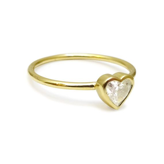 Heart Diamond Ring / Engagement Heart Ring / Recycled Gold and Diamond / Eco friendly Gold Ring / Ethical Diamond Ring