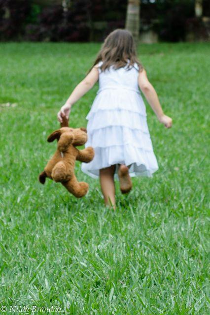 Fotografia de criança, book de criança, Menino, menina, ensaio infantil, book infantil, fotografia com fantasias, fantasia, brincadeiras de criança,fotógrafa de criança, ar livre, foto externa, externa,ursinho , parque, fotos no parque, Nilda Brandão