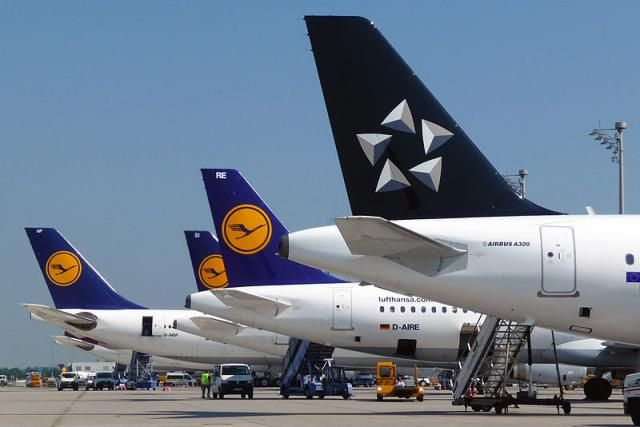 Navigate the globe using the three major airline alliances