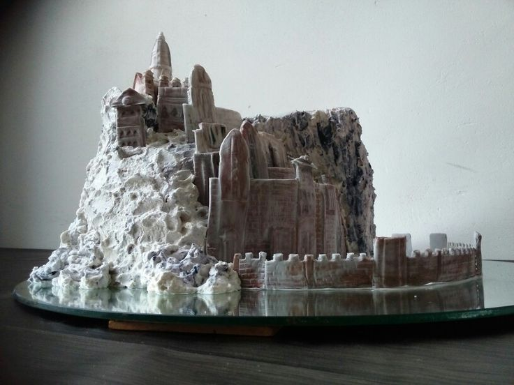 Minas Tirith- by Roelienke. Birthdaycake