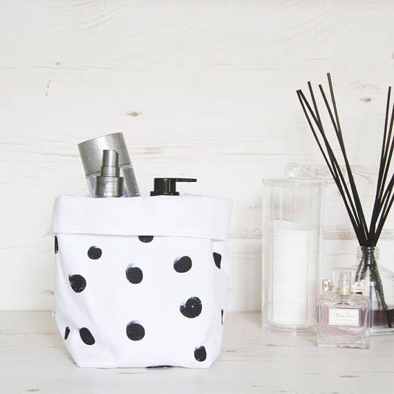 Canasta de tela blanca con grandes topos negros, compartimiento de almacenaje, caja de almacenamiento, almacenamiento de juguetes, almacenaje del cuarto de baño