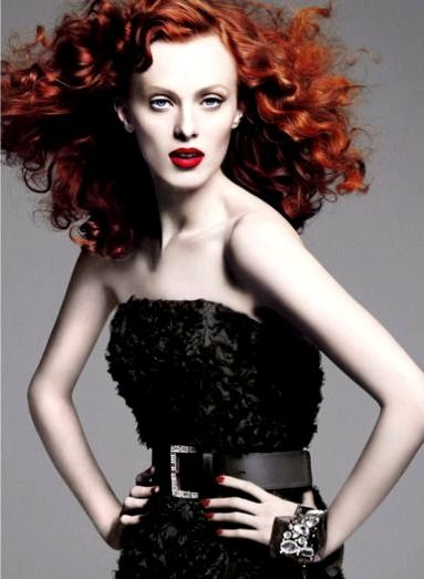 Karen Elson. Chic and talented. Ginger never looked this awesome!