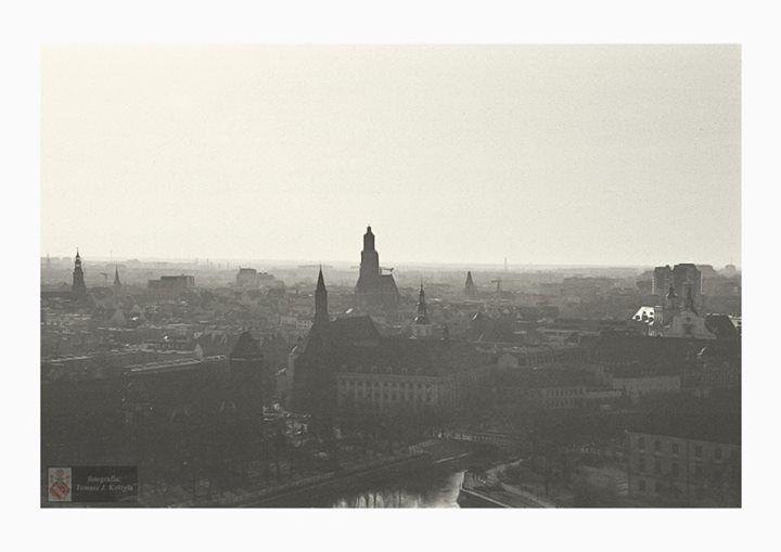 Wrocław Analogowo Tomasz J Kostyła https://www.facebook.com/Wroclaw/photos/a.250786751796684.1073741853.173020042906689/396040427271315/?type=1&permPage=1