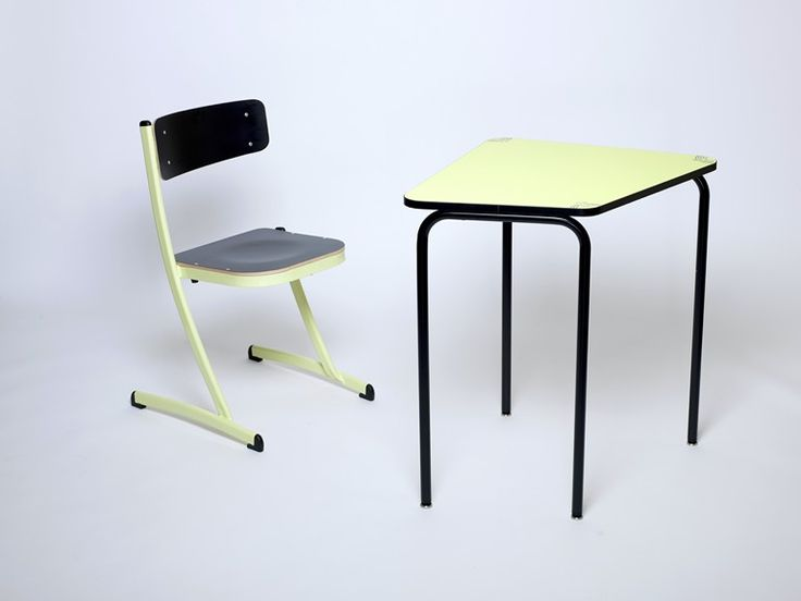 17 meilleures images propos de chaise d 39 cole 3 4 5 sur pinterest lieux bureaux et innovation. Black Bedroom Furniture Sets. Home Design Ideas