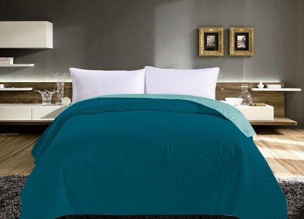 Tyrkysové přehozy na manželskou postel