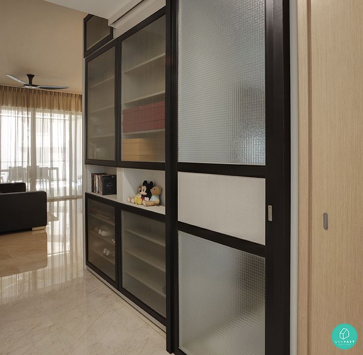 Hidden storage behind shoe cabinet Design-Practice-Shoe ...