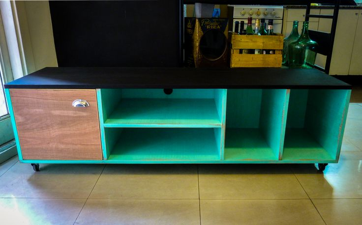 TV Rack - Mueble en madera terciada / Plywood - KAKTUS https://www.facebook.com/kaktus.designs