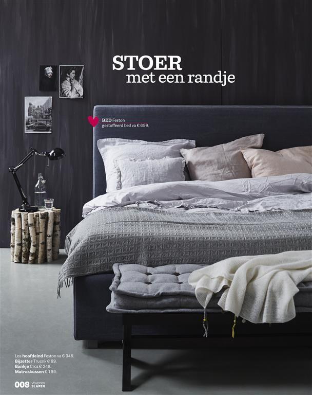 https://i.pinimg.com/736x/93/d7/32/93d73242576810a977893d10c0481d7b--dark-bedrooms-masculine-bedrooms.jpg