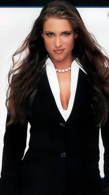 Female Wrestling - The History of the WWE Divas - Stephanie McMahon