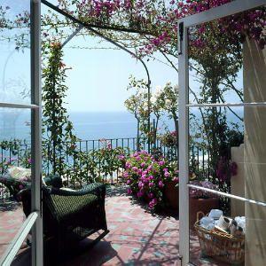 Beautiful garden, beautiful view! ***