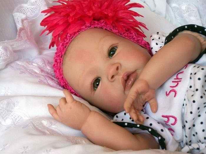 Απίστευτα ρεαλιστικές κούκλες μωρών