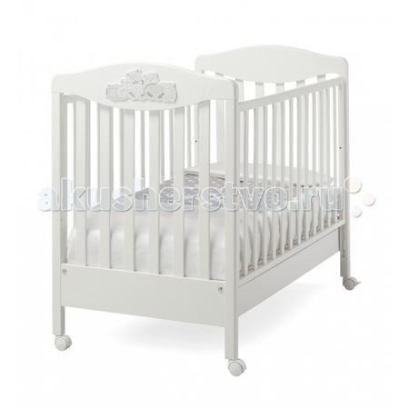 Erbesi Tippy  — 15300р. ----------------------------------------  Детская кроватка Erbesi Tippy – необычайно изысканная, выполненная в утонченном итальянском стиле, она подарит Вашему малышу самые сладкие и добрые сны. Дно кроватки регулируется по высоте на двух уровнях, а бортики опускаются на 20-25 см, позволяя подстроить ее под размеры именно Вашей крохи. Вместительный выдвижной ящик в основании и четыре поворотных колесика, два из которых оснащены стопорами.  Особенности: Двухуровневое…