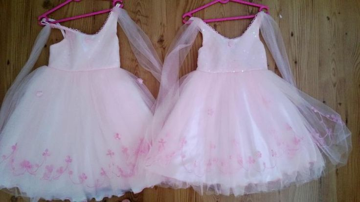 size 3 and size 5 flower girl dresses, available for hire from Treenridge weddings, Pemberton, from October 2014.