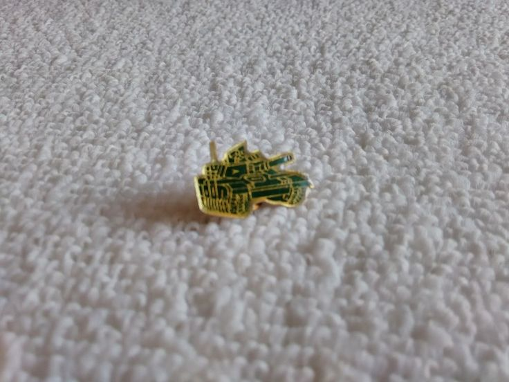 Vintage Military Tank pin badge