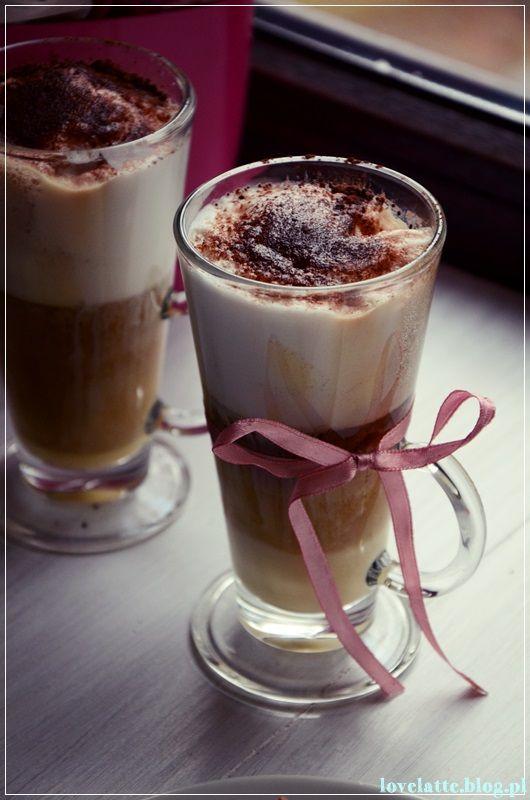 Ajer Coffee przepis: http://lovelatte.blog.pl/2014/03/16/kawa-z-jajem-ajer-coffee/