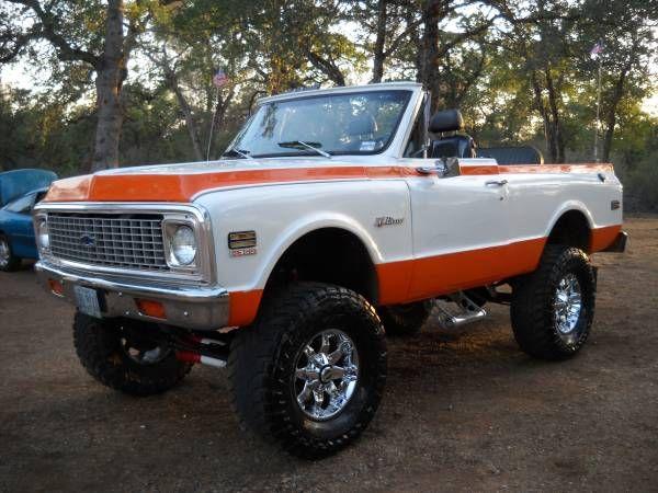 72 K5 BLAZER-Great paint job, beautiful truck!!