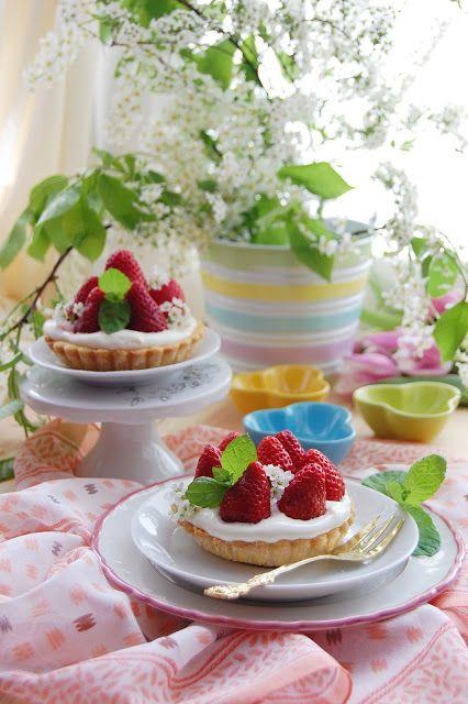 W garze mieszane: Tartaletki z truskawkami, urodzinowe