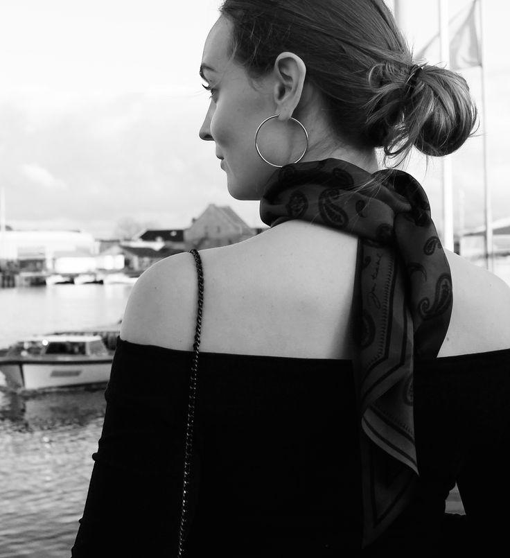 Terna scarf in Bordeaux // Dea Kudibal // AW16 // La Femme Allure