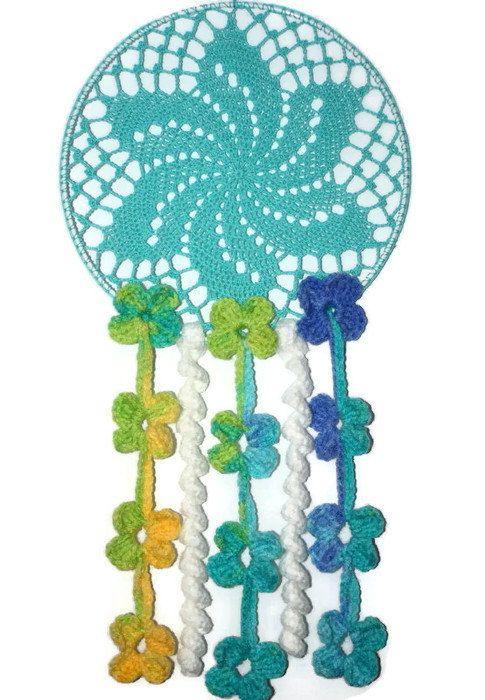 Baby crochet dreamcatcher  #dreamcatcher , #babygiftideas , #babymobile , #babydecor , #babydesign , #crochetingforsale , #crochetinglove , #crochetideas , #crocheting , #crochetart , #babyroomdecor , #babyhanging , #etsyshop , #makatarinacorner , #babynursery, #doilydreamcatcher, #doily