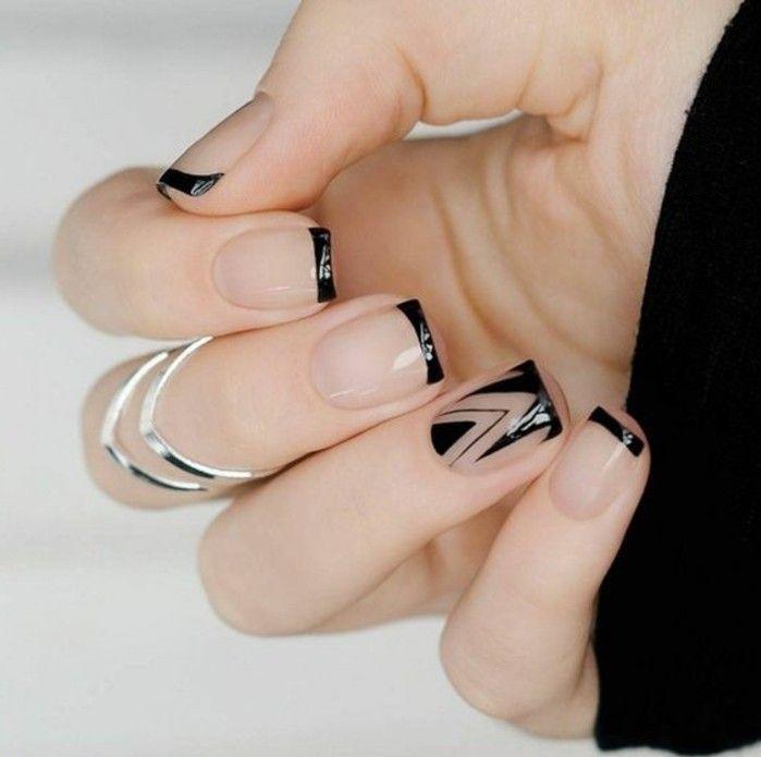manucure facile, style français en noir, dessin en pinceau, motifs triangulairs