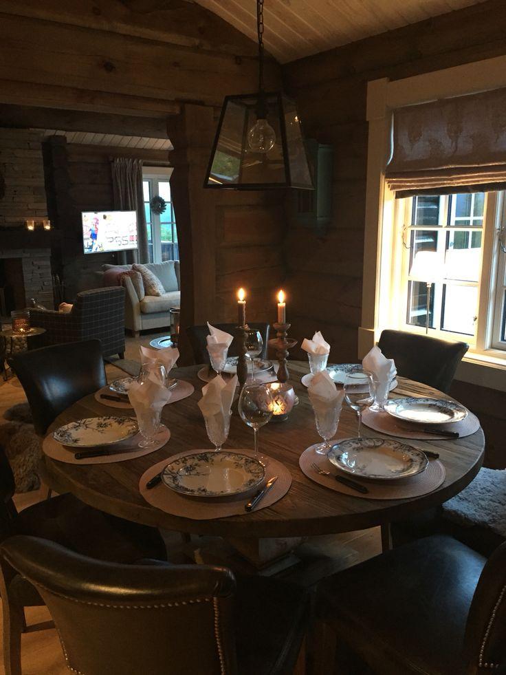 Spiseplass med rundt bord