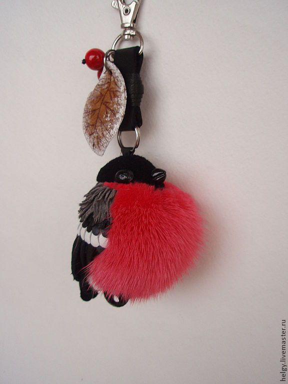 Купить Брелок на сумку Снегирь - ярко-красный, звериная расцветка, снегирь, снегири, зима, брелок