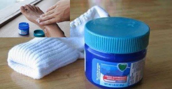 Vicks una soluzione efficace per massaggiare i piedi contro diversi disturbi fisici Vicks una soluzione efficace per massaggiare i piedi co
