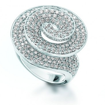 The stunning Tornado cocktail ring