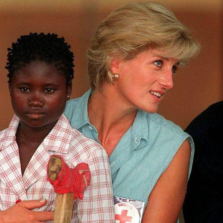 Princesa Diana con niño
