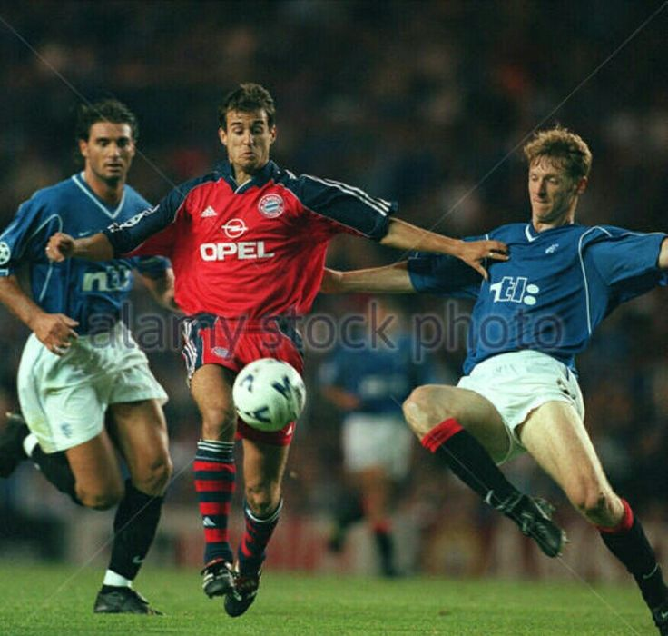 Rangers 1 Bayern Munich 1 in Sept 1999 at Ibrox. Craig Moore challenges Mehmet Scholl in the Champions League, group stage.
