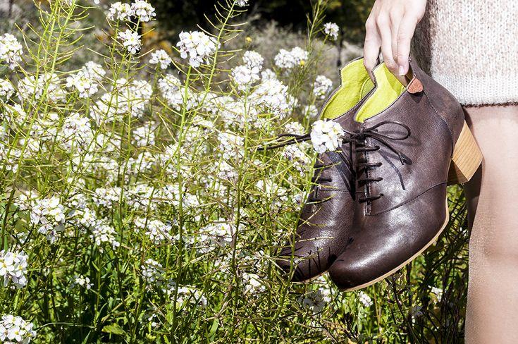 lookbook invierno 2015 - RAY MUSGO Zapatos ecologicos de mujer #botas #botines #flores  #campo #flowers #nature #ankleboots #naturalshoes #ecofriendly