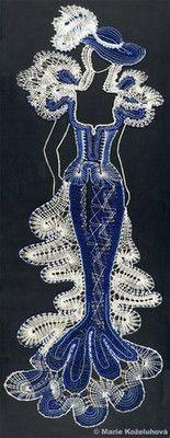 Žena v modrém