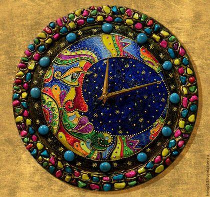 """Часы для дома ручной работы. Ярмарка Мастеров - ручная работа. Купить Часы настенные """"Месяц"""". Handmade. Разноцветный, этно, акрил"""