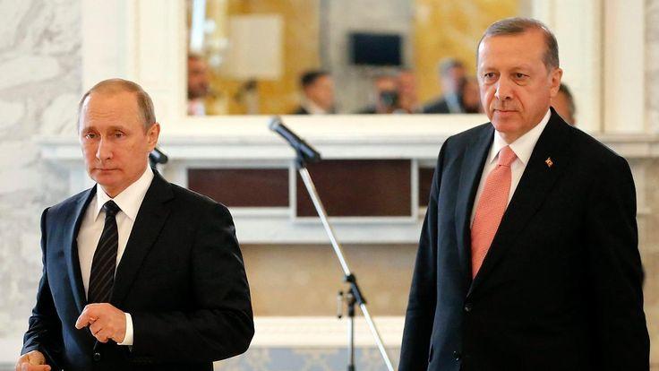 Mehr Weltpolitik als Fußball: Türkei empfängt Russland - aber wozu?