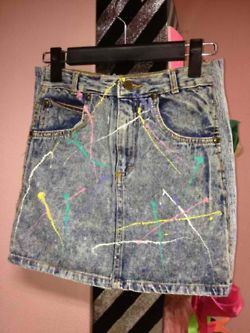 Paint splattered acid washed mini skirt. Does it get any better than this? #80s