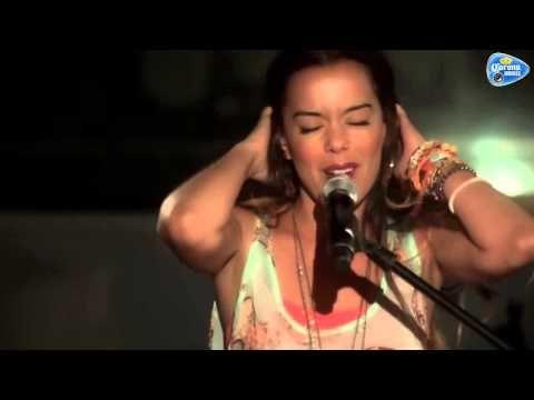 BEATRIZ LUENGO compositora de PERDONAME (Ricky Martin) - YouTube