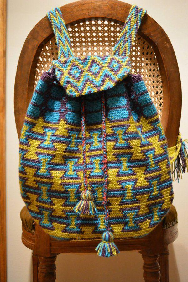 Vt. Mochila tejida - Mochila tejida a mano en tapestry crochet.