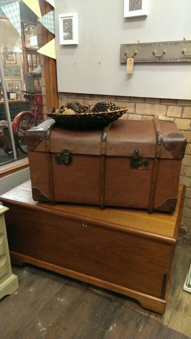 Lovely John Pound & Co trunk in original condition