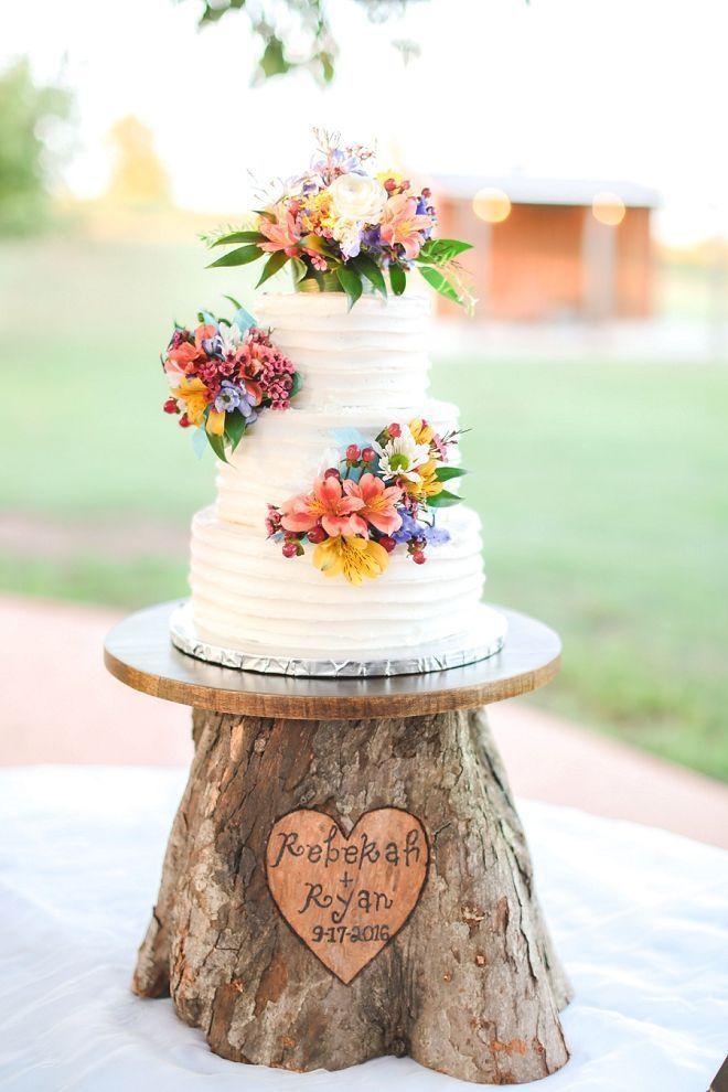 OH MEIN GOTT. Wir lieben die atemberaubende Hochzeitstorte und die handgefertigten …   – Rustic Wedding Ideas