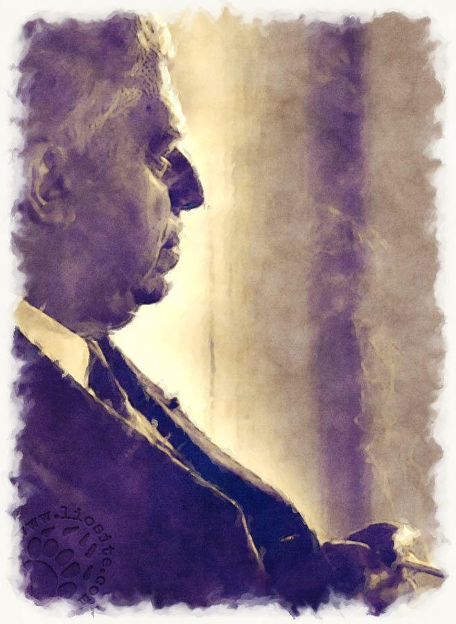 """Parole che colpiscono lette dallo stesso autore Eugenio Montale. Voltarsi indietro ... non è mai facile, ma nemmeno guardare avanti lo è ...  """"Forse un mattino andando in un'aria di vetro, arida, rivolgendomi, vedrò compirsi il miracolo: il nulla alle mie spalle [segue]""""  #eugeniomontale, #segreto, #poesia, #poesiaitaliana, #italiano, #poesiarecitata, #audiopoesia,"""