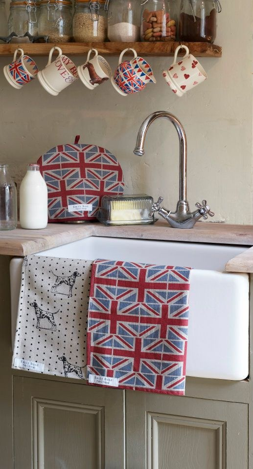 Perfect Farmhouse Sink & Emma Bridgewater Pottery