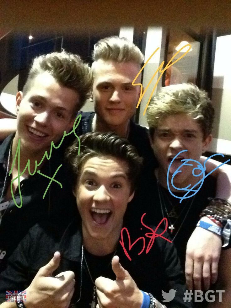 Brad's smile *fangirling* The Vamps Brad Simpson, James McVey, Connor Ball and Tristan Evans.